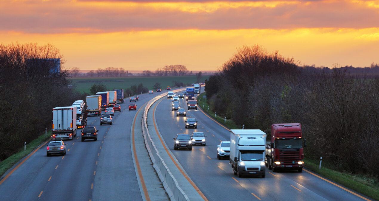 Transportsektorns utsläpp minskar med två procent 2018-2019. För lite – rappa på!